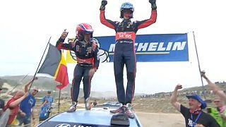 El piloto belga de Hyundai Thierry Neuville triunfa en el Rally de Cerdeña