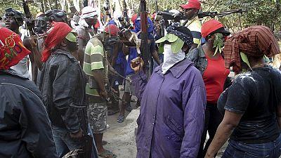 Former militants urge Niger Delta Avengers to join gov't talks