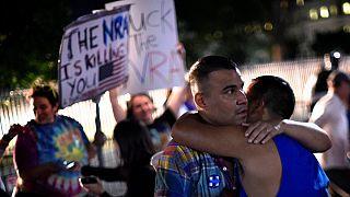 Veillée d'hommage et de solidarité devant la Maison Blanche après la tuerie d'Orlando