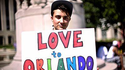 #PrayForOrlando: hommages aux victimes sur les réseaux sociaux