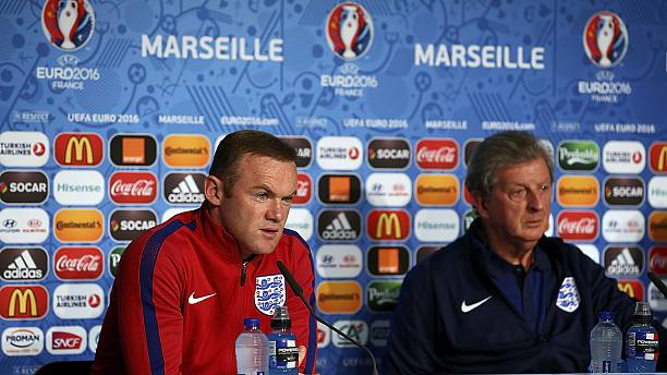 """Hodgson and Rooney appeal to fans to """"stay out of trouble"""""""
