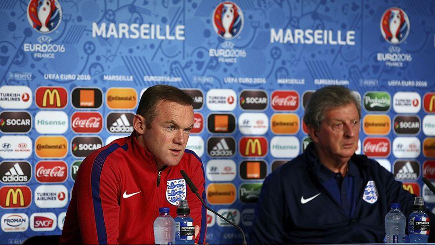Hodgson y Rooney hacen un llamamiento a la calma entre los seguidores de la selección inglesa