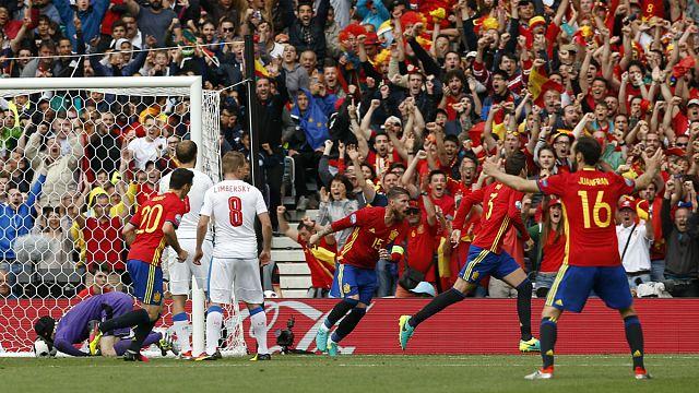 Son Avrupa Şampiyonu İspanya Euro 2016'ya galibiyetle başladı