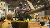 پاریس؛ اعتراض فعالان صلح به نمایشگاه تسلیحات و تجهیزات دفاعی