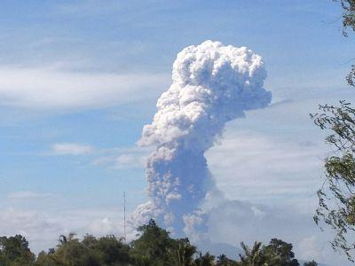 Mount Soputan spews hot ash on Wednesday.