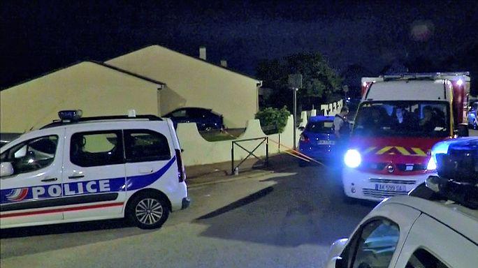 Késes támadó gyilkolt meg egy francia rendőrtisztet