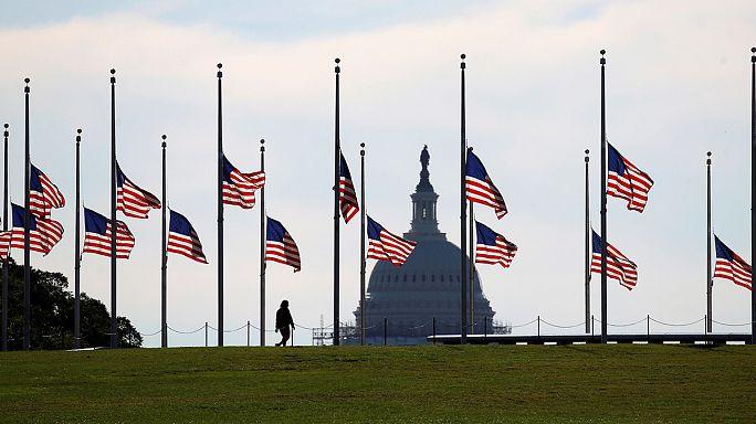 ABD halkı Orlando kurbanlarını anıyor