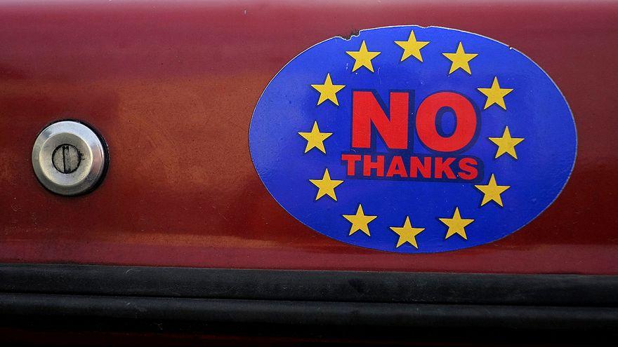 """بريطانيا: صحيفة """"الصن"""" تدعو قراءها إلى تأييد خروج بلادهم من الاتحاد الأوربي"""
