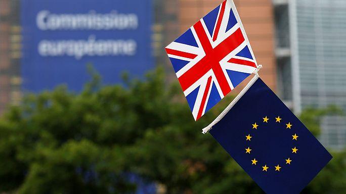 Kelet-európai családok is elesnek brit segélyektől