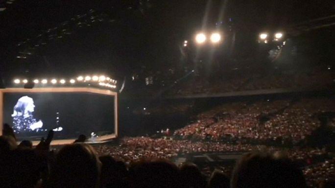La cantante Adele dedica su concierto en Bruselas a las víctimas de la masacre de Orlando