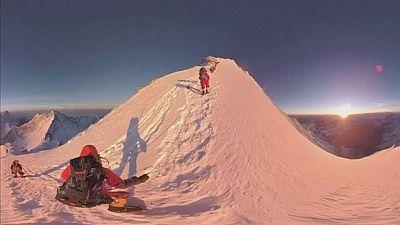 Le mont Everest filmé à 360°