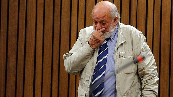 Steenkamp'ın babası Pistorius'un 'hak ettiği cezayı' almasını istiyor