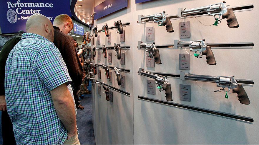 Bevásároltak az amerikai fegyvergyárak részvényeiből a befektetők