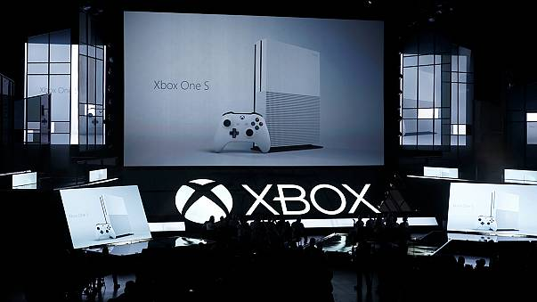 Augusztustól lehet kapni az új Xbox One S-t