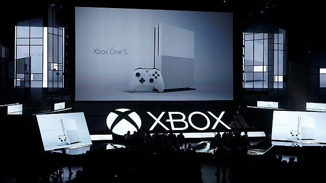 Microsoft Xbox One S'i tanıttı
