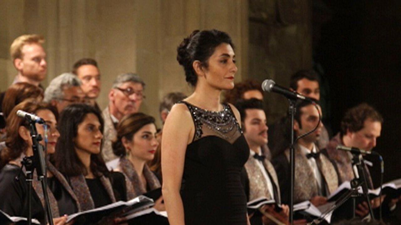 داريا دادفار تقدم أروع الأغانية الفولكلورية الإيرانية بمزيج غربي