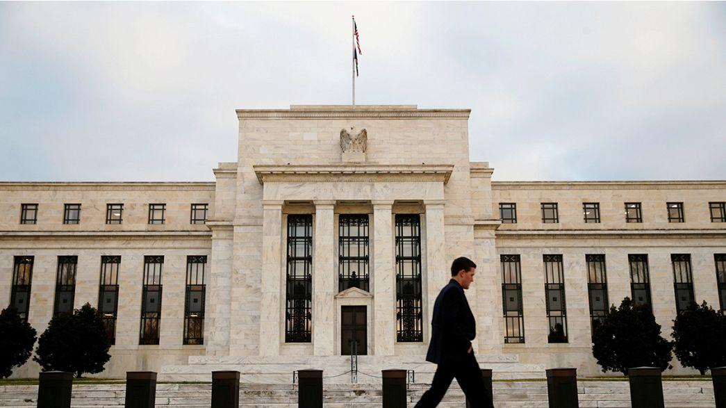 ФРС США решает, поднимать ли ставку рефинансирования
