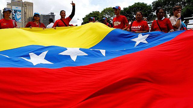 Venezuela'da sahte imza tartışması sürüyor