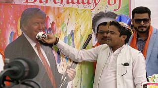 """New Delhi, """"Tanti auguri, Donald Trump"""""""