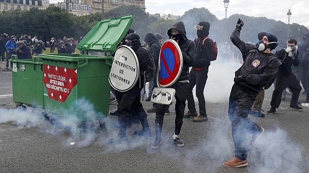 Paris protesters clash with police