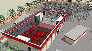 Cameroun : Vincent Bolloré inaugure une salle de cinéma à Yaoundé
