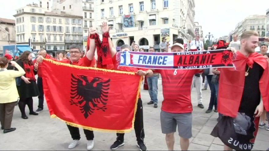 Albanische Fans feiern friedlich in Marseille