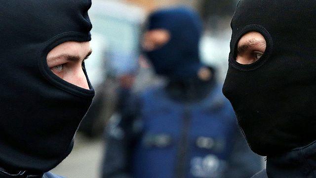 """Угрозы Бельгии со стороны джихадистов и контратака сторонников """"брексита"""""""