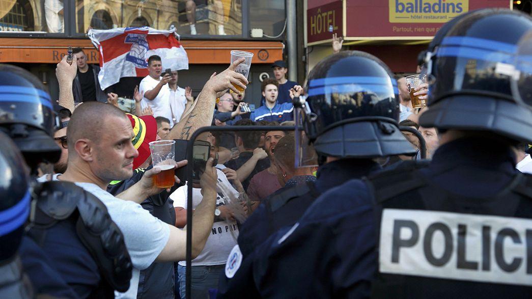 اشتباكات بين الأمن الفرنسي ومشجعين إنكليز في مدينة ليل الفرنسية