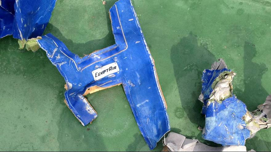 Egito recupera uma das caixas negras do voo MS804
