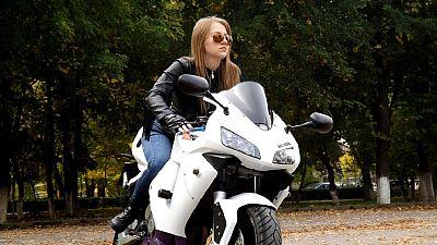 Egypte : des femmes extériorisent leur passion pour les grosses motos