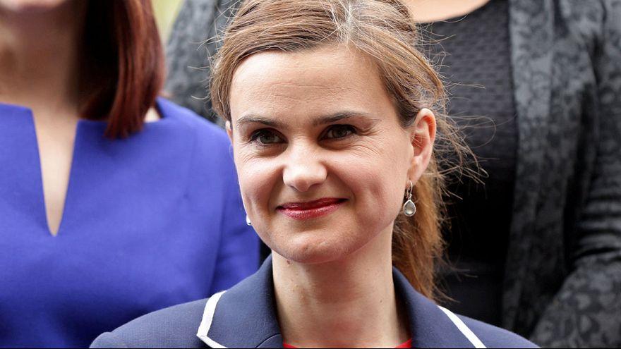 Deputada do Partido Trabalhista, Jo Cox, assassinada na sua região natal