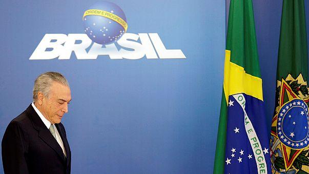 Hullanak a miniszterek az egyhónapos brazil ügyvivő kormányban