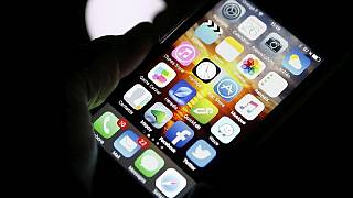 Smartphone plus social media outsmarts TV as main 'youth' news source