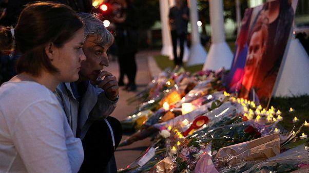 UK:Centenas de britânicos prestam homenagem a Jo Cox