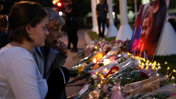 Великобритания потрясена убийством депутата Джо Кокс