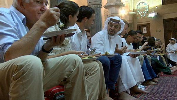 Birleşik Arap Emirliklerin'de yabancılara Ramazan ve İslam anlatılıyor