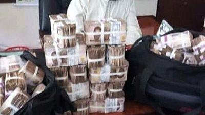 [Photos] The cash bundles causing a stir in Nigeria