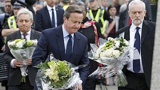 La Gran Bretagna sconvolta dall'assassinio di Jo Cox