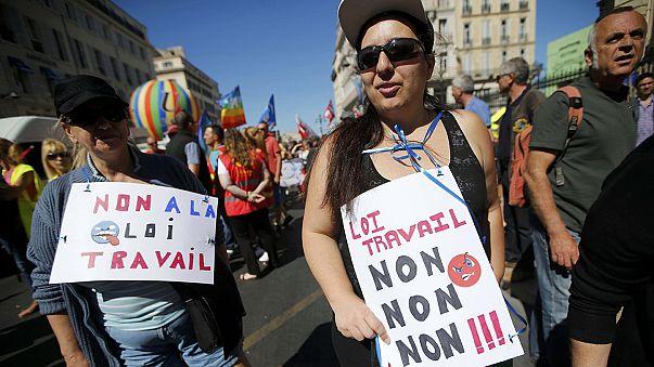 Nem fújják le a sztrájkokat Franciaországban