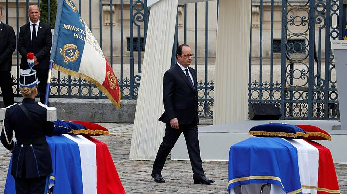 Hollande pays tribute to police couple murdered in terror attack