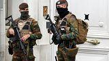 Folytatódnak a razziák Belgiumban