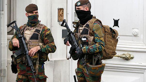 """Bélgica: PM diz que """"situação está sob controlo"""" após vasta operação antiterrorista"""