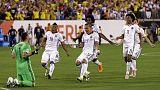 Colombia vence a Perú en los penaltis y ya está en semifinales