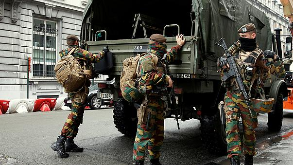 Belçika: Antwerp tren istasyonunda şüpheli çantadan spor malzemeleri çıktı