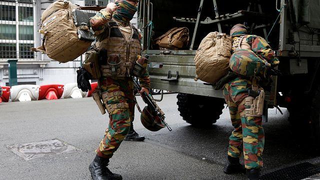 Brüksel'de operasyon: 3 kişi terörist saldırı hazırlığıyla suçlanıyor