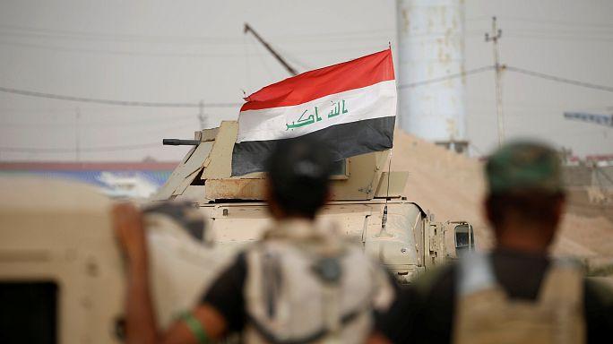 Aknák után kutatnak az iraki katonák Fallúdzsában