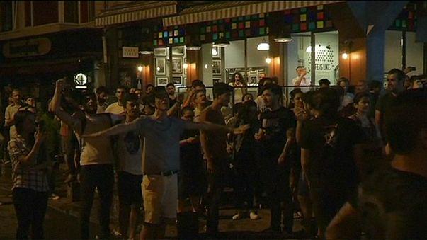 Zusammenstöße nach religiös motiviertem Übergriff auf Istanbuler Plattenladen