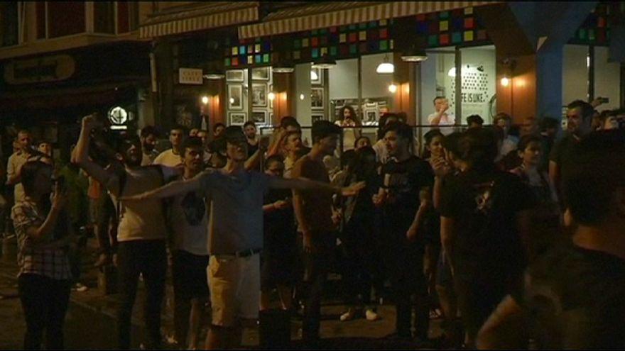Fãs dos Radiohead atacados na Turquia por festejarem durante o Ramadão