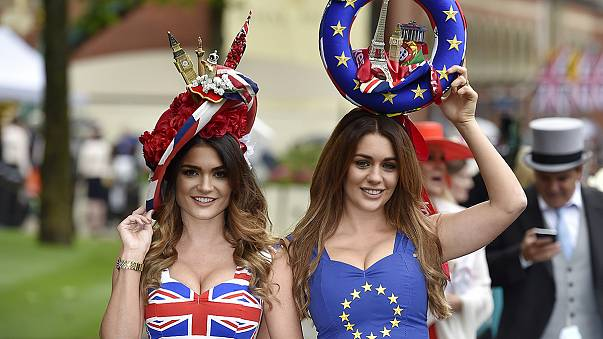 """Brexit: new polls boost """"remain"""" hopes"""