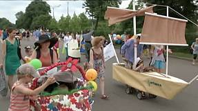 Kinderwagenparade in Moskau